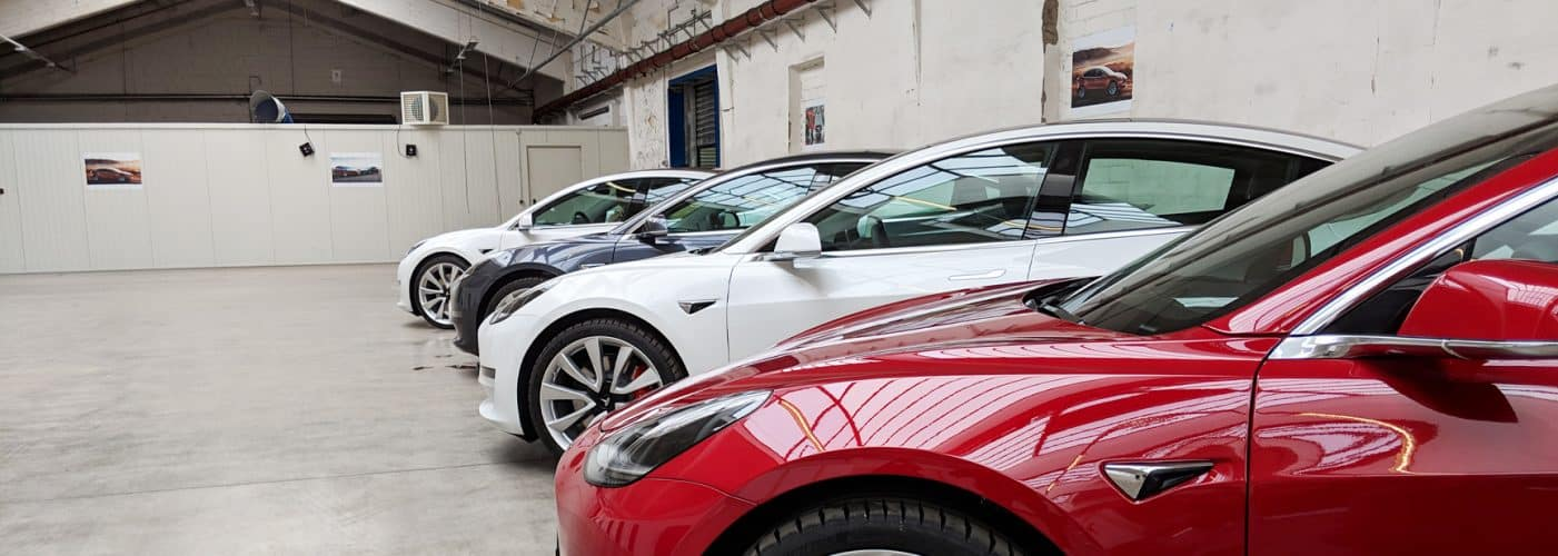 Tesla Model 3 Auslieferung bei Tesla Neuss Delivery