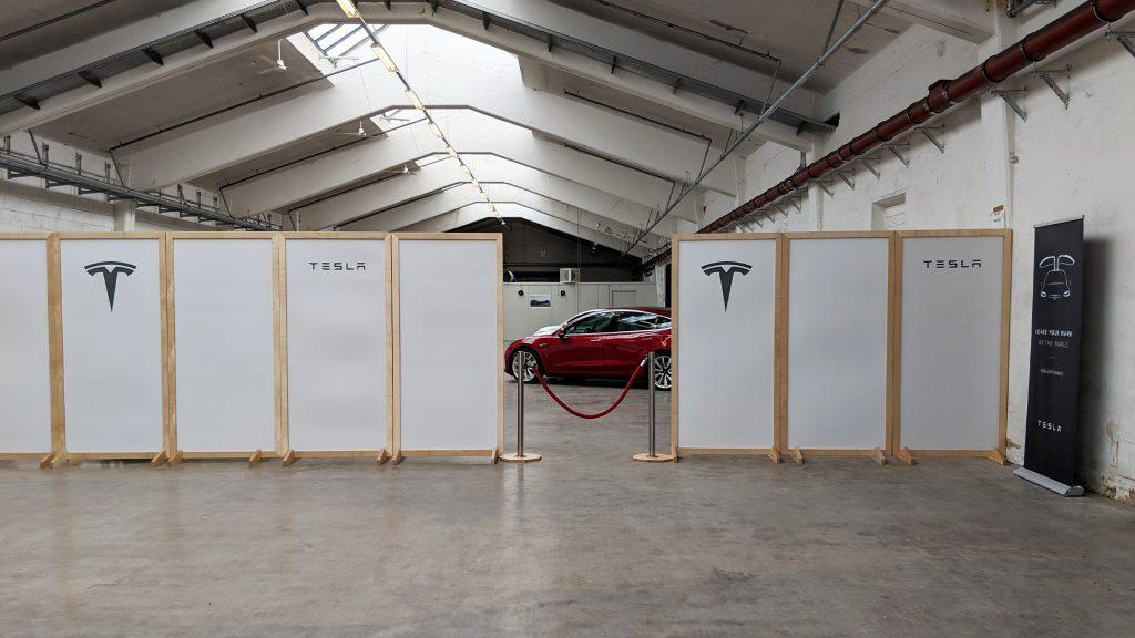 Der Abholraum von Tesla
